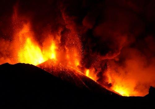 Eruzioni esplosive: ecco come si rompe il magma