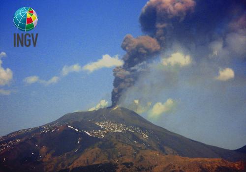 Etna. Con la Tomografia sismica definita la struttura interna del vulcano e individuate zone superficiali di accumulo del magma